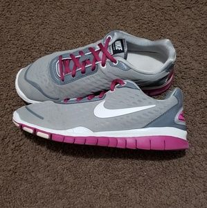 Nike free tr luxe 2.0
